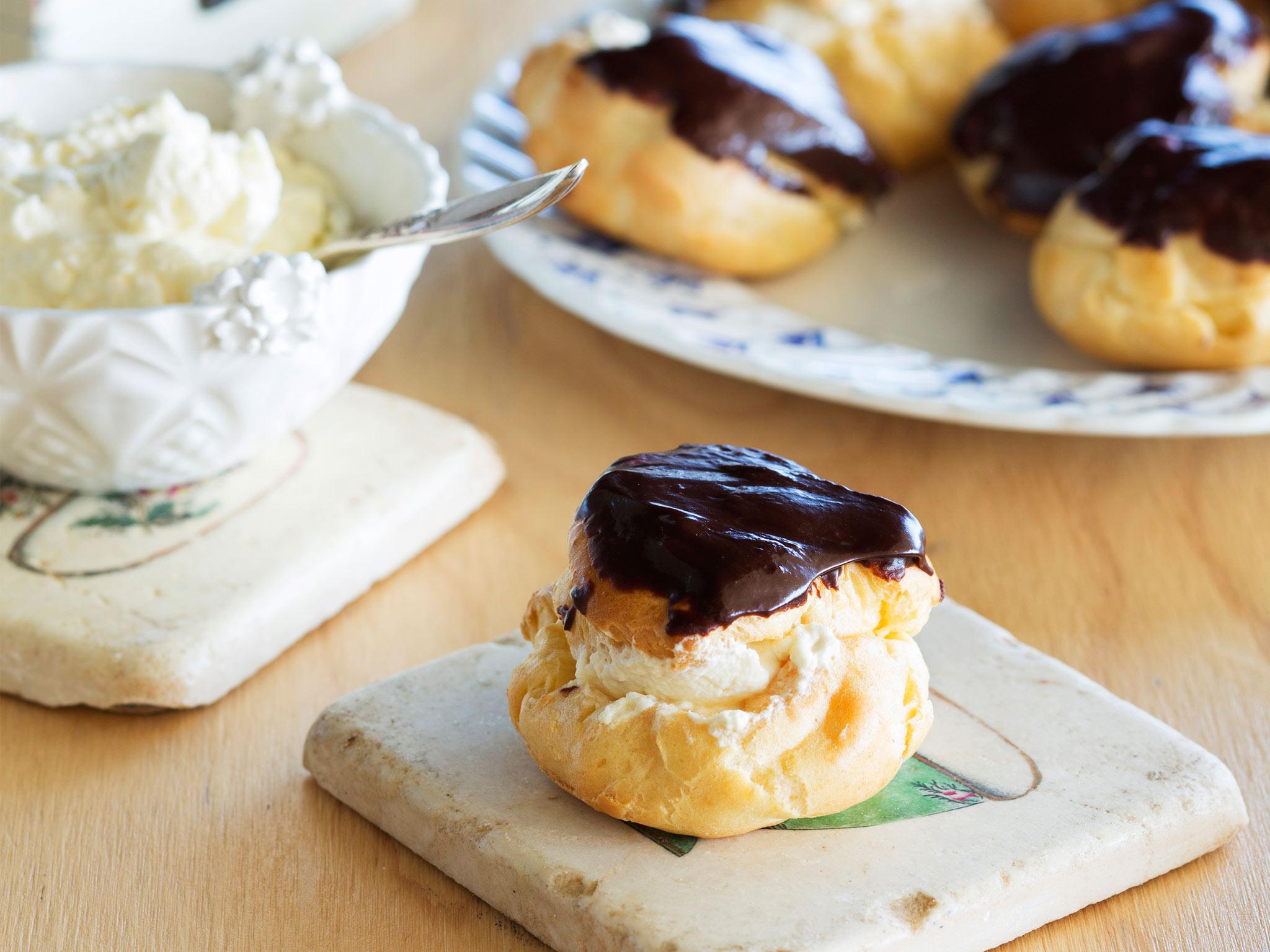 Profiterole recipe. Secrets of French baking 41