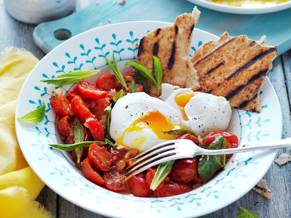 Indian-style tomatoes and eggs