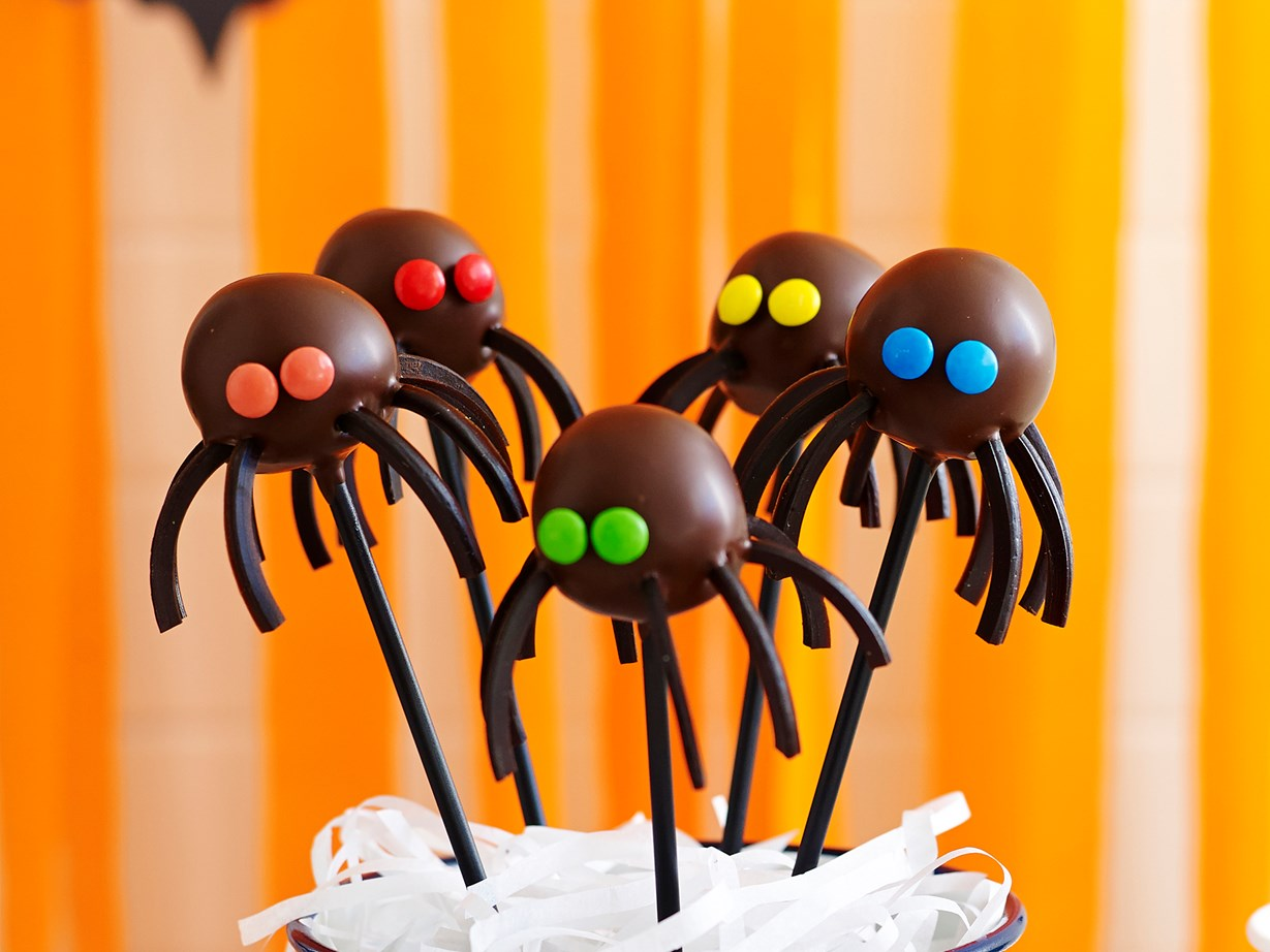 halloween black spider cake pops recipe | food to love