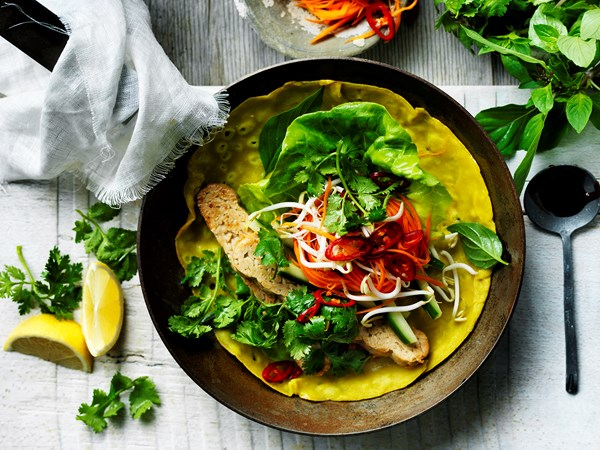 Vietnamese coconut and turmeric pancakes
