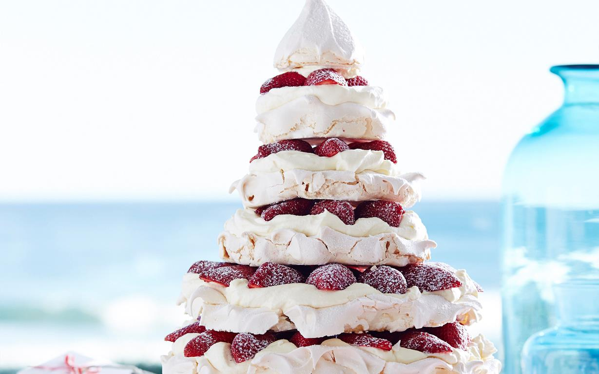 julie goodwins meringue christmas tree recipe food to love - Christmas Tree Meringues