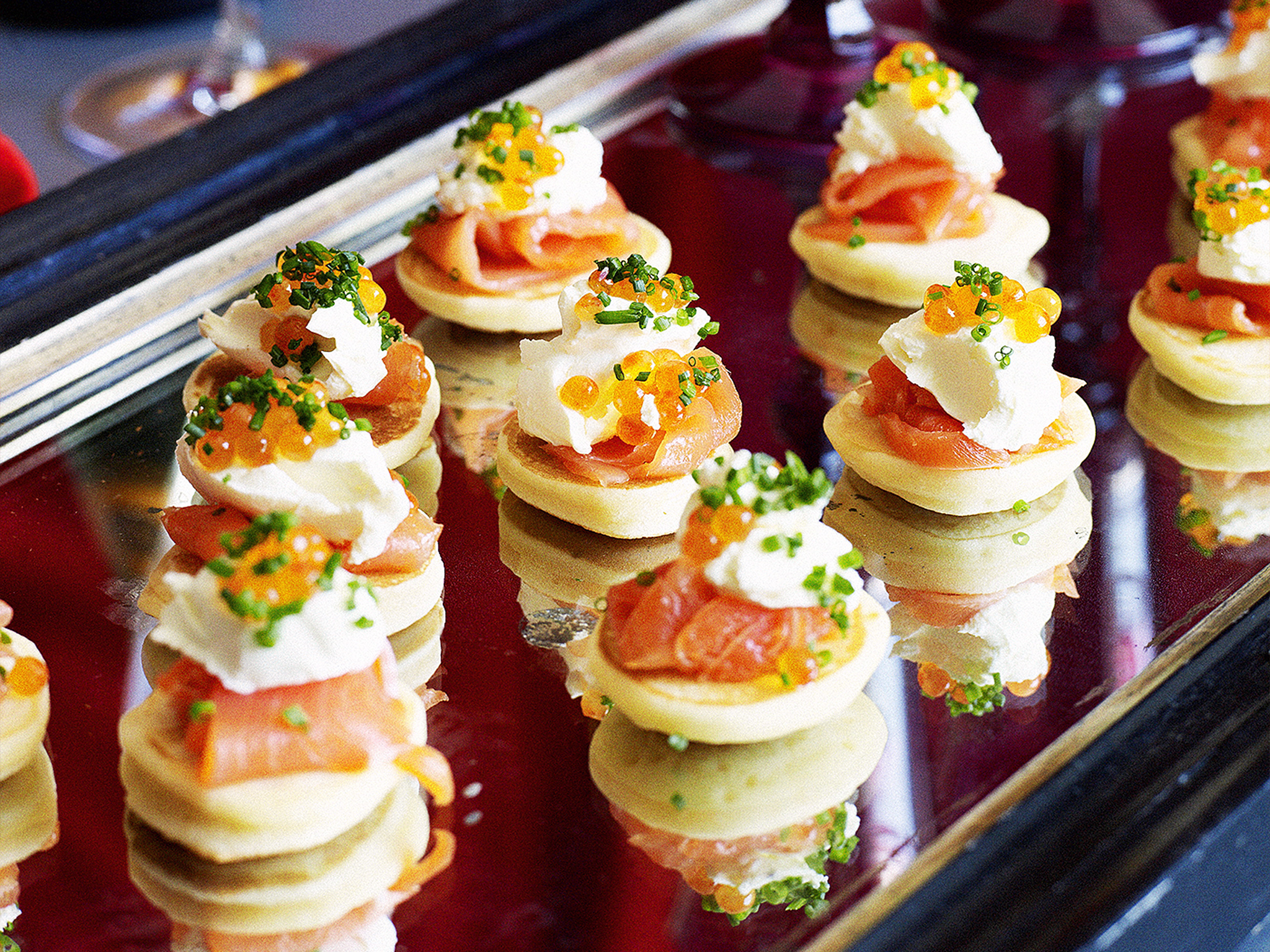 Smoked salmon blinis nigella for Canape ideas nigella