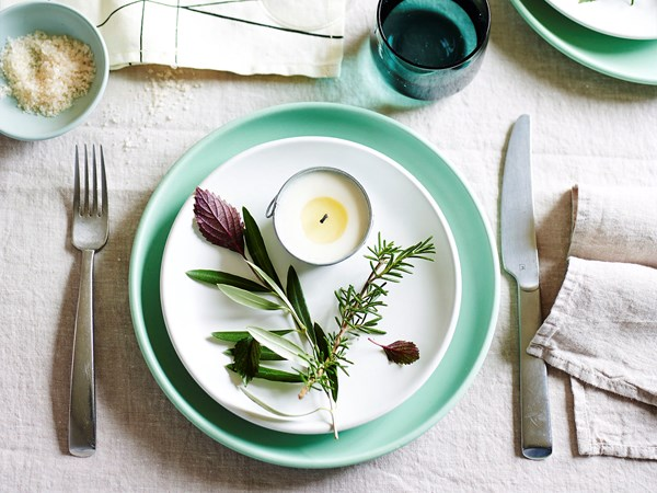 5 tips for throwing the perfect dinner party