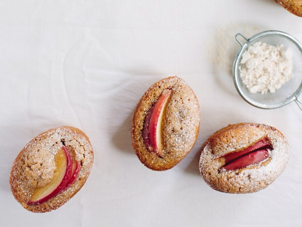 Apple, cinnamon and brown butter friands