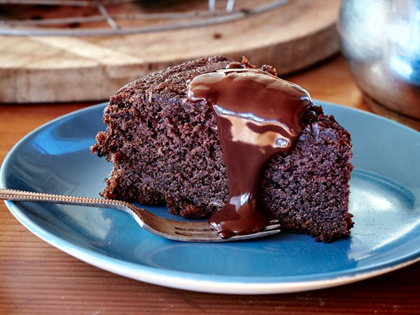 Lifesaving no-egg chocolate cake
