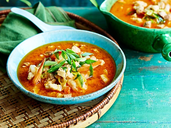 Spicy pork and prawn soup