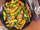 Warm salad of potato skins and green beans