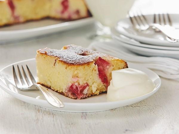 Rhubarb and coconut semolina cake