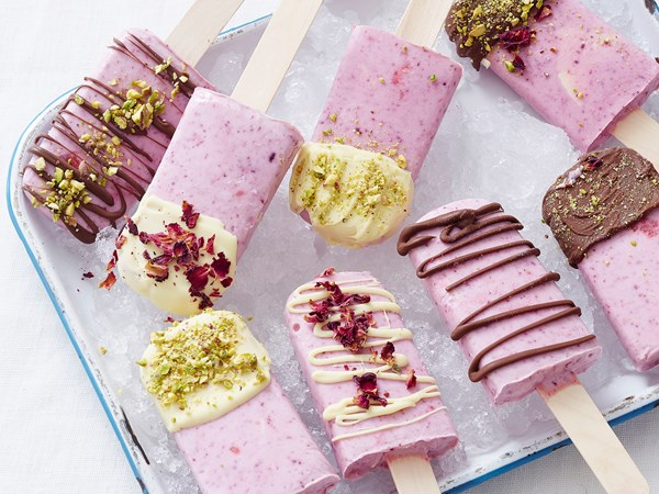 Yoghurt, white chocolate and berry ice-cream pops