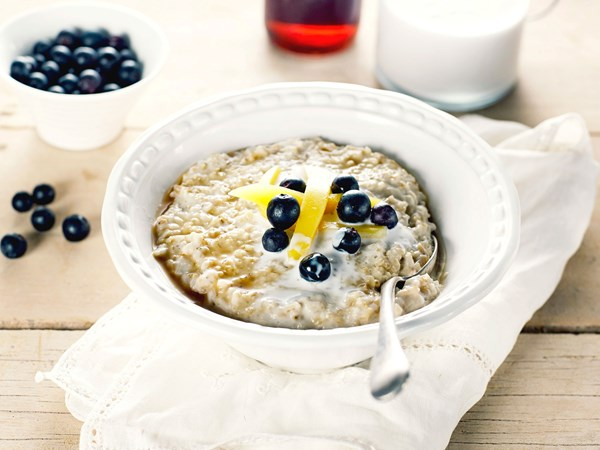 Coconut steel-cut oats porridge