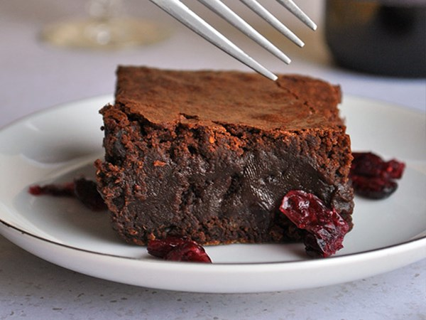 Red wine chocolate brownies exist and we want in