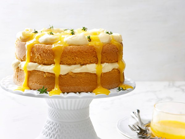 Lemon thyme sponge cake with curd cream
