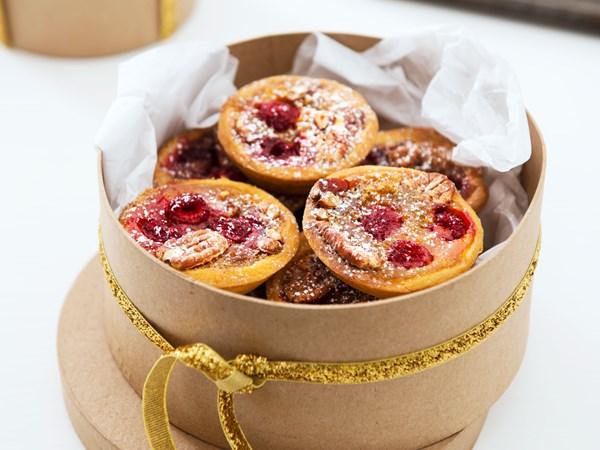 Pecan raspberry tarts