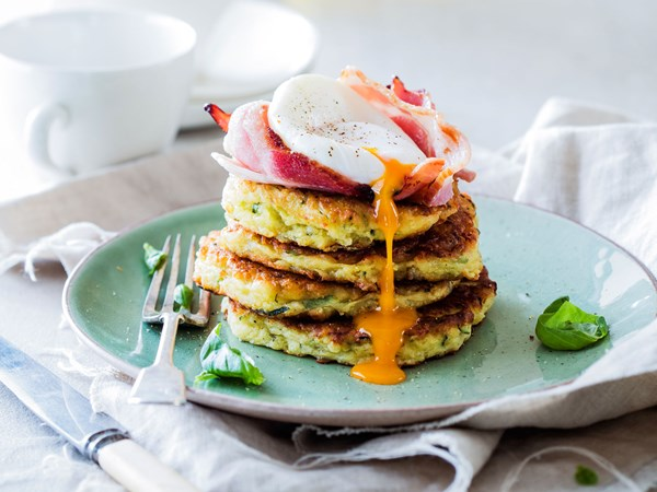 Cheesy courgette fritters