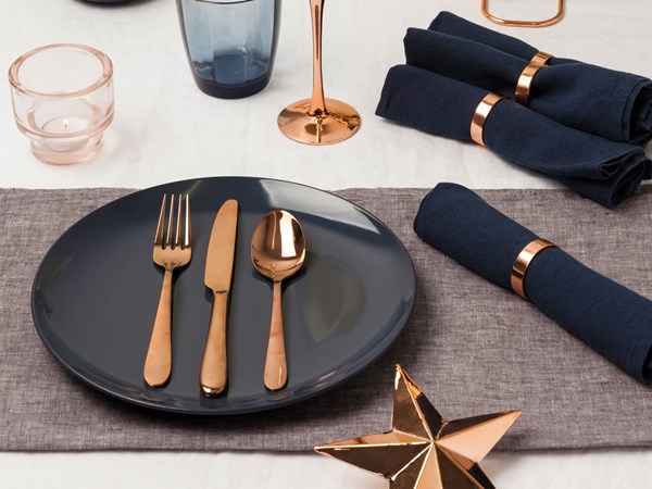 Nail your Christmas table style with copper and navy