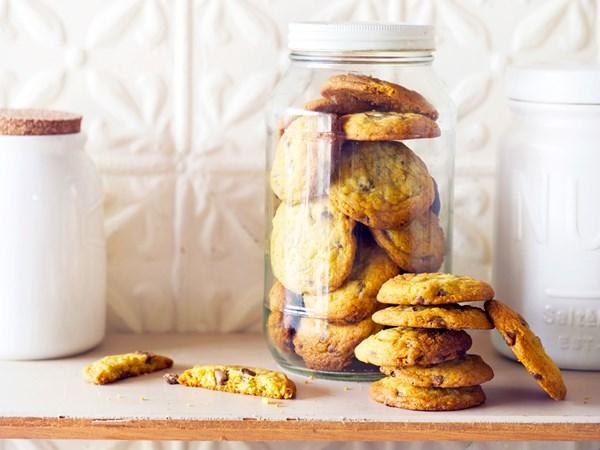 Mandarin milk chocolate cookies