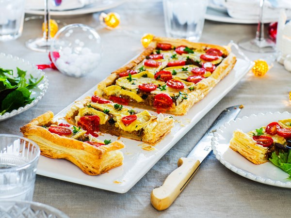 Brie and cherry tomato galette