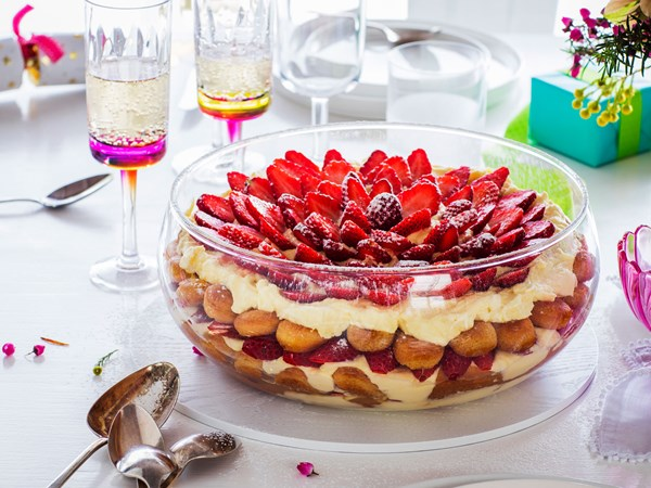 Christmas strawberry tiramisu