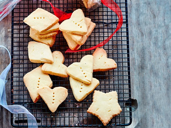 Lemon-scented shortbread