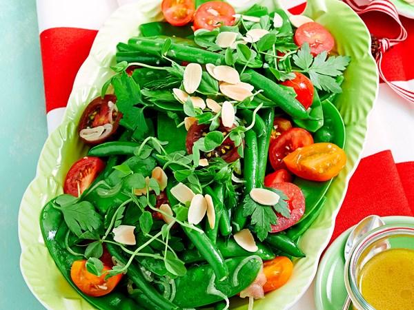 Summer bean and tomato salad