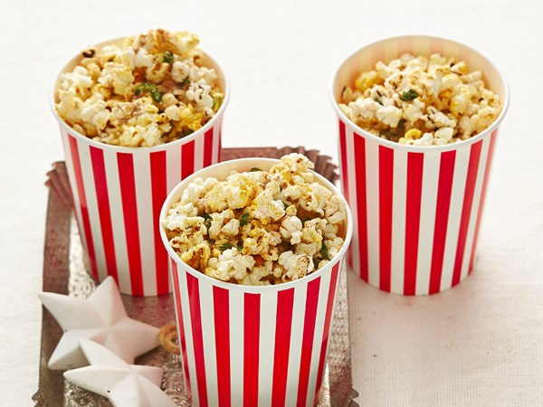 Sugar and spice Christmas popcorn