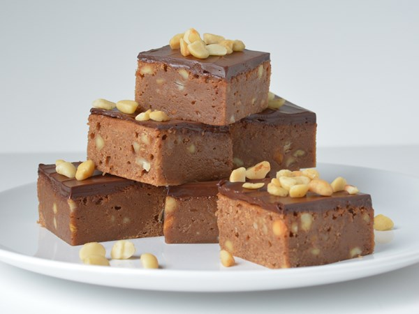 Milk chocolate and macadamia brownies
