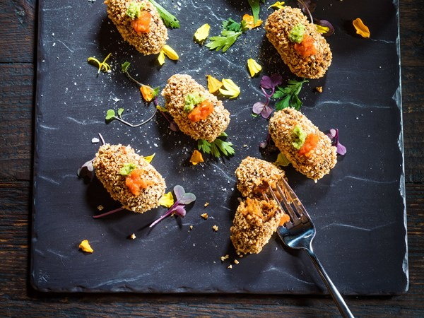 Pulled pork croquettes with barbecue sauce