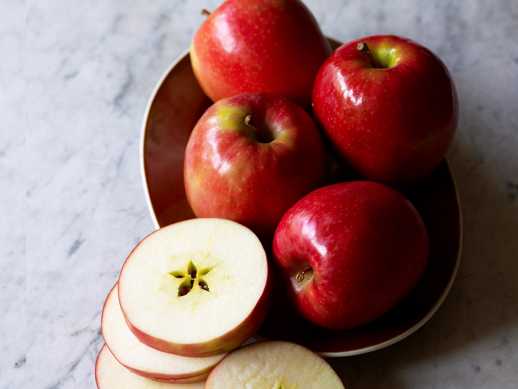 **[APPLES](http://www.foodtolove.com.au/recipes/collections/24-amazing-ways-with-apples)**