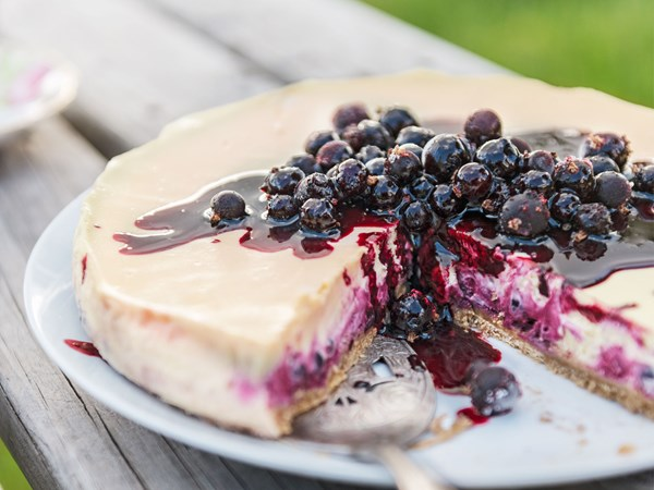 NY-style very-berry cheesecake