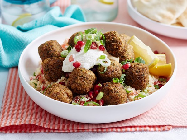 Tabouli couscous with falafels