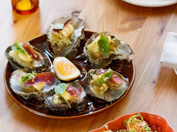 Culprit's carpetbag oysters