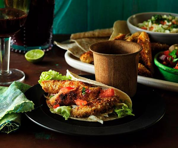 Fish tacos with salsa and homemade mexican seasoning for Fish taco seasoning