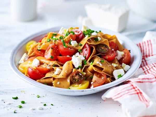 Chilli paprika pasta with fresh tomato sauce