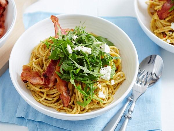 Spaghetti with capsicum pesto