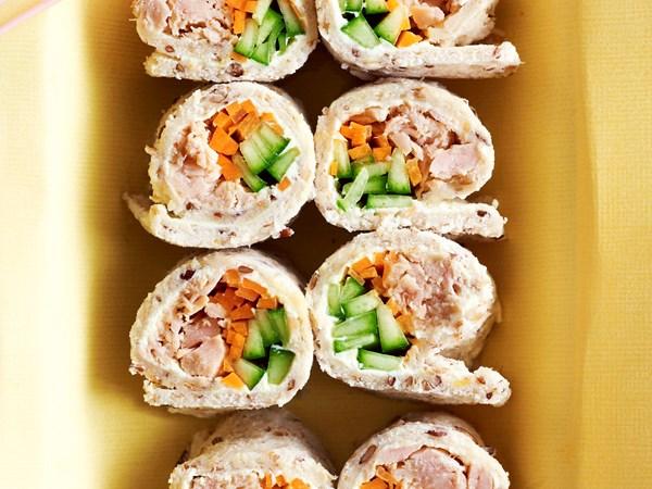 Sushi sandwiches with tuna