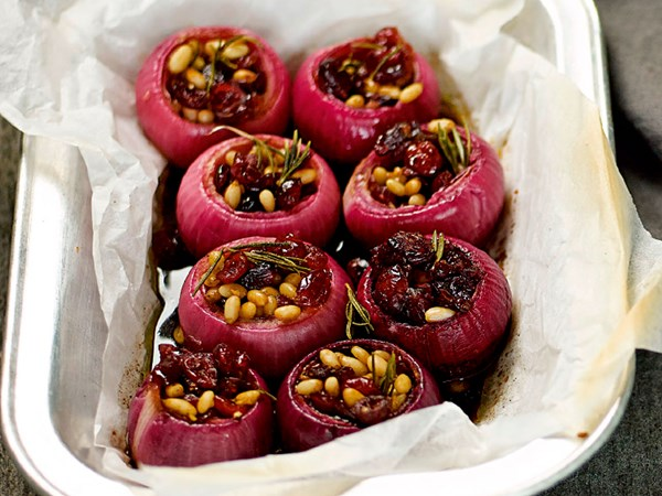 Baked stuffed red onions