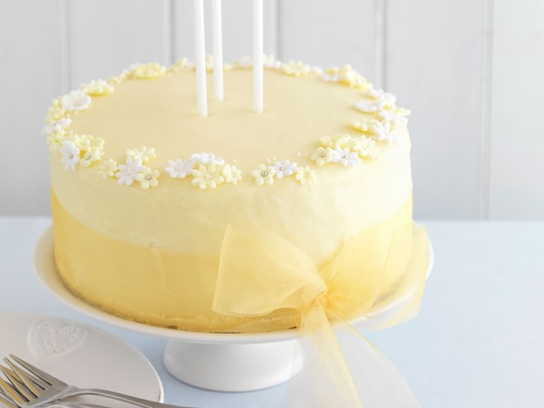 Lemon and gin cake with white chocolate buttercream