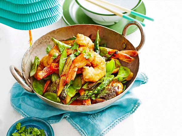 Prawns with snow peas and baby corn