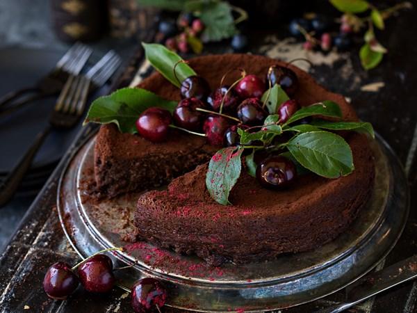 Port and prune chocolate torte