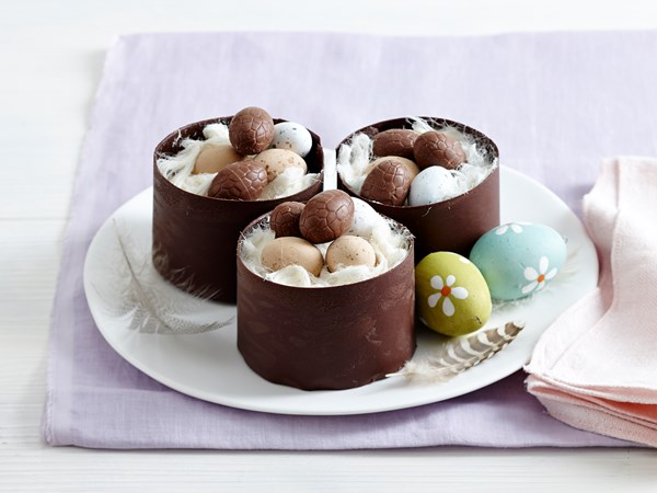 Easter chocolate cheesecakes