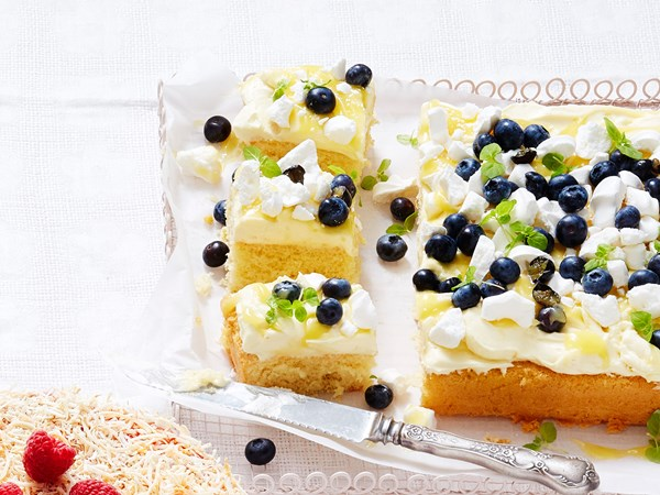 Lemon meringue sponge slab