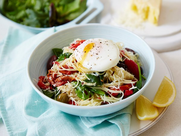 Spinach and poached egg spaghettini