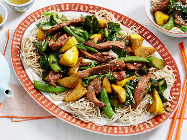 Sticky turkey and vegetable noodles