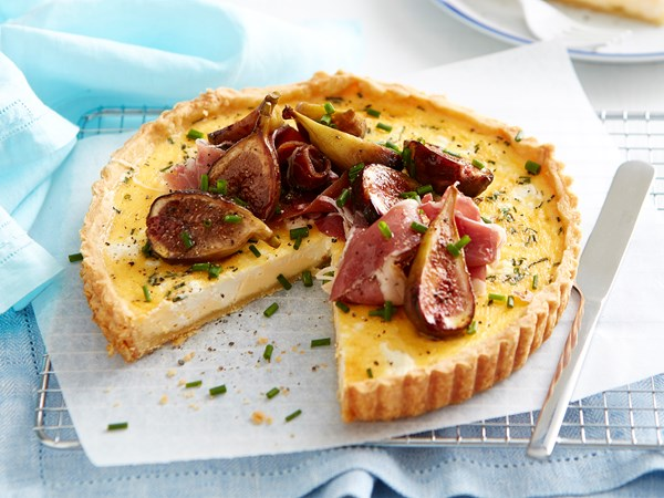 Caramelised fig and goat's cheese tart