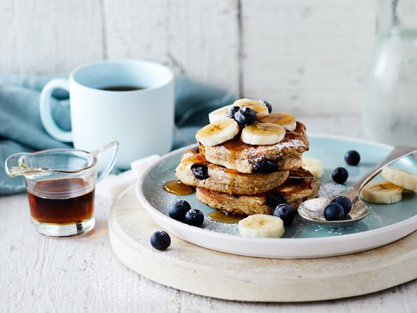 Flourless banana and blueberry pancakes
