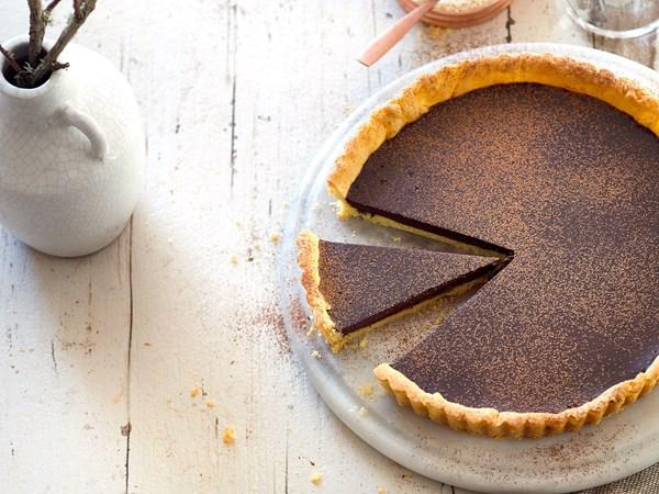 Easy dark chocolate tart
