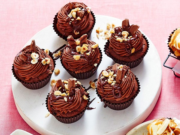 Nutella-filled chocolate cupcakes