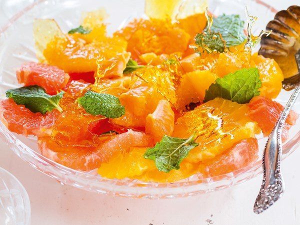 Warm citrus salad with toffee