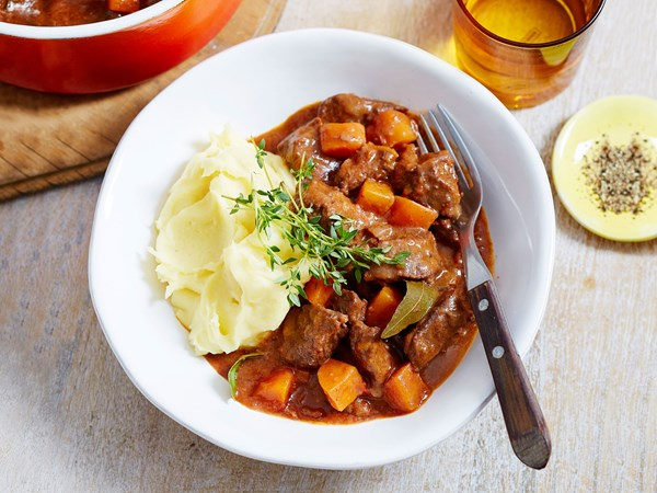 Easy beef and red wine casserole with mashed potatoes