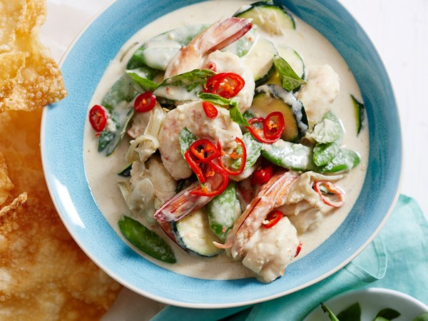 Thai-style green curry with prawn and courgette